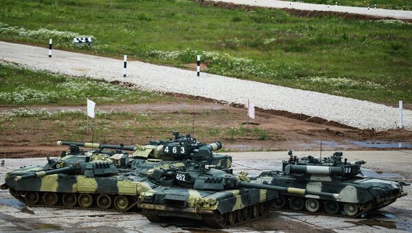 Показательные выступления Танковый балет на танках Т-90. Архивное фото.