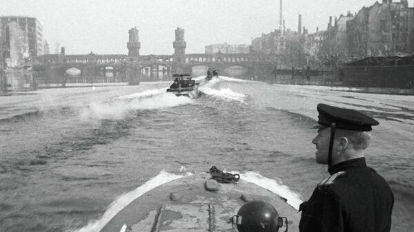 Отряд полуглиссеров Днепровской военной флотилии на реке Шпрее