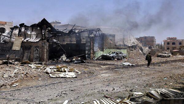Последствия авиаударов ВВС коалиции по Йемену. Архивное фото