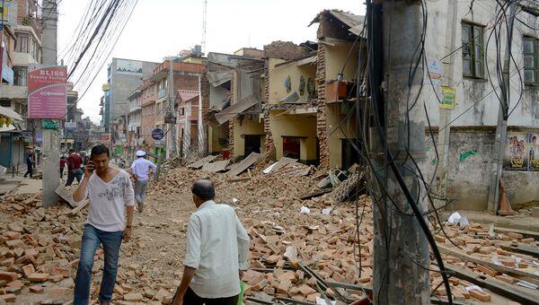 Разрушенные в результате землетрясения дома в Лалитпуре, Непал