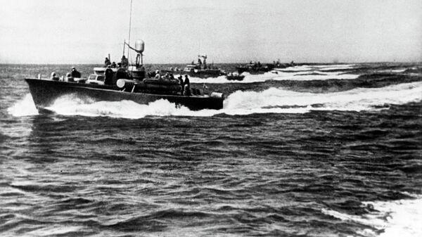 Советские торпедные катера атакуют порт Сейсин. Август 1945 года. Архив