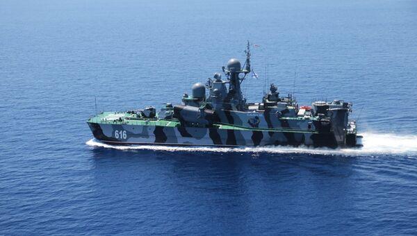 Ракетный корабль на воздушной подушке (РКВП) Самум во время совместных военных учений России и Китая в Средиземном море Морское взаимодействие 2015