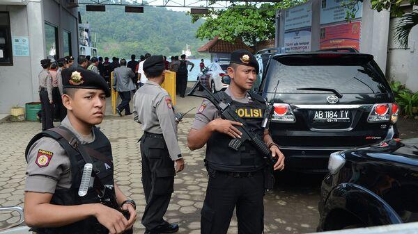 Сотрудники индонезийской полиции