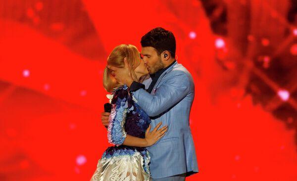 Вайдас Бомила и Моника Линките из Литвы выступают в финале конкурса Евровидение