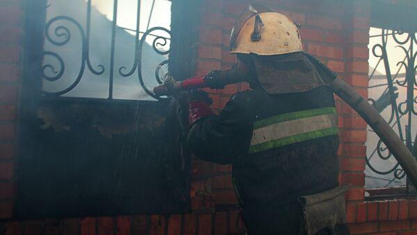 Сотрудник пожарной охраны в ДНР. Архивное фото