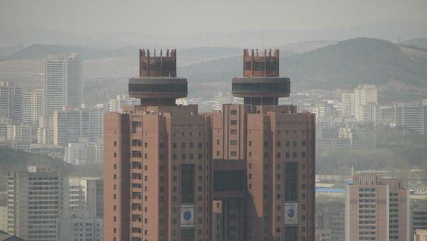 Вид на Пхеньян и отель Корё