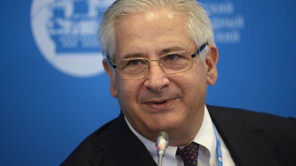 Президент Американской торговой палаты в России Алексис Родзянко