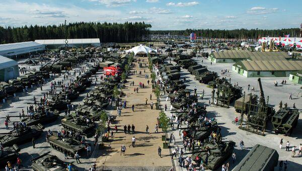 Военная техника на международном военно-техническом форуме АРМИЯ-2015 в Московской области
