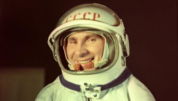 Летчик-космонавт СССР, Герой Советского Союза Павел Иванович Беляев. Архивное фото