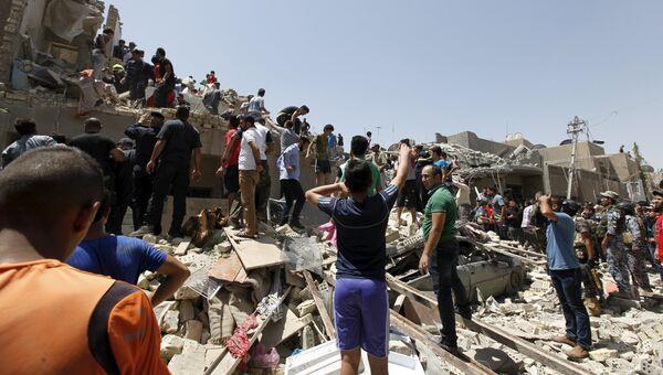 Жилой квартал в Багдаде, который по ошибке был обстрелян штурмовиком ВВС Ирака