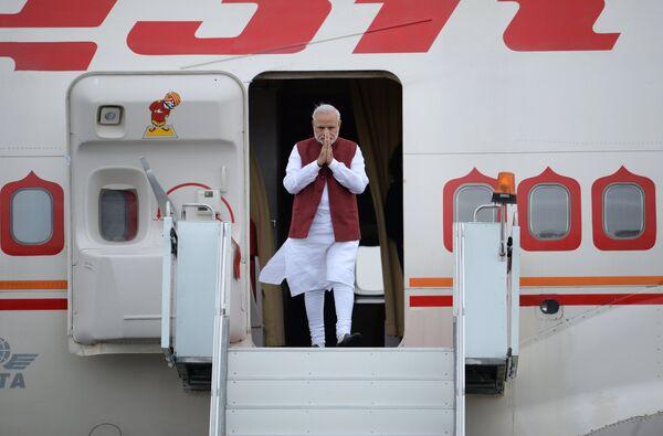 Премьер-министр Индии Нарендра Моди, прибывший для участия в саммитах БРИКС и ШОС