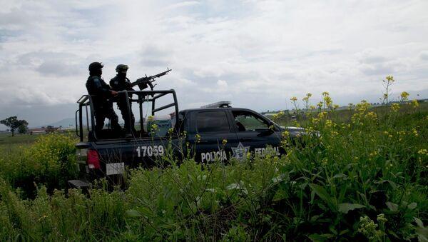 Полиция возле тюрьмы строгого режима в Альтиплано, Мексика
