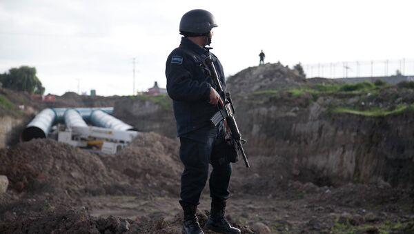 Полиция возле тюрьмы строгого режима в Альтиплано, Мексика. Архивное фото
