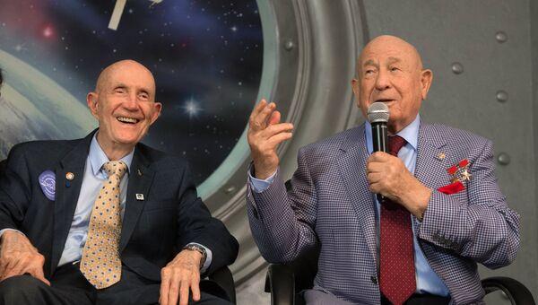 Встреча участников космической миссии Союз-Аполлон. Архивное фото