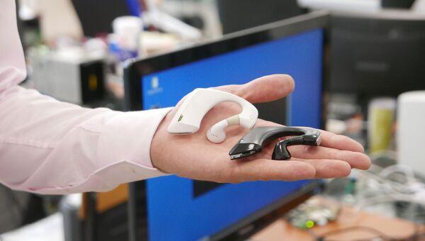 Разработанная в НИЯУ МИФИ гарнитура, защищающая смартфоны от прослушки