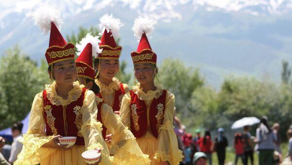 Фестиваль народного творчества в Киргизии Кыргыз шырдагы.  Архивное фото