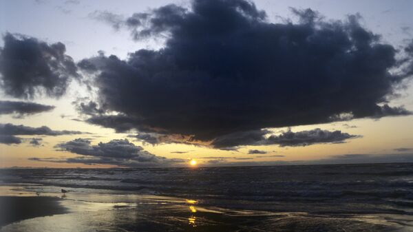 Закат на Балтийском море. Архивное фото