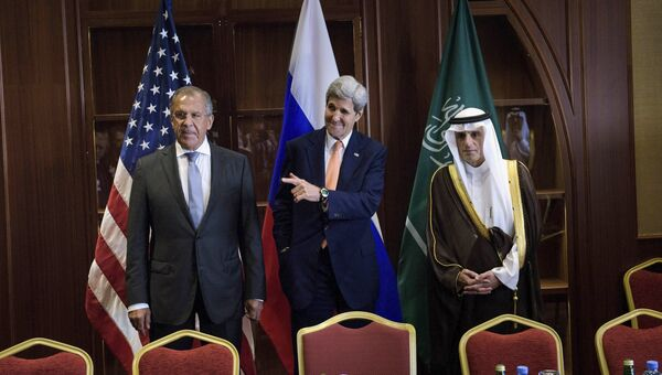 Сергей Лавров, Джон Керри, Адель аль-Джубейра на встрече в Дохе