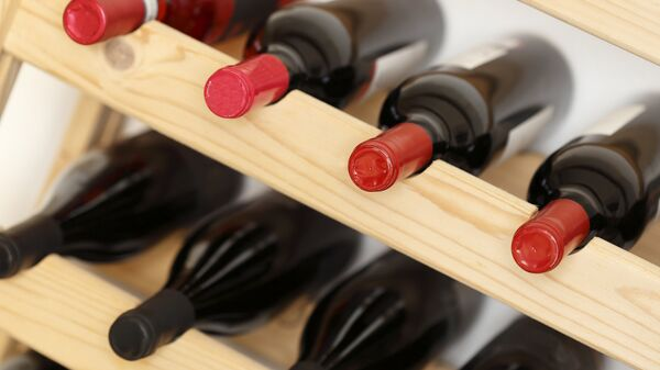 Бутылки с вином. Архивное фото