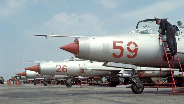 Истребители МИГ-21 на аэродроме