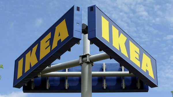Вывеска Ikea у одного из магазинов сети