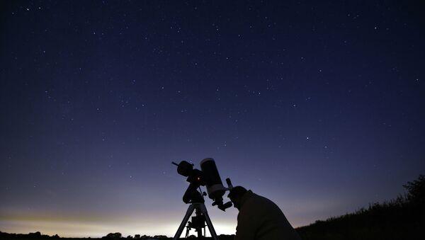 Астроном во время наблюдения. Архивное фото