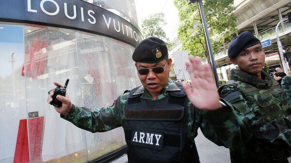 Солдаты на месте взрыва в Бангкоке, Таиланд