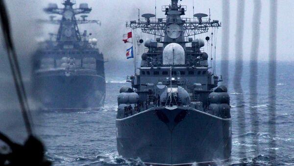 Корабли Тихоокеанского флота РФ во время военно-морского парада в заливе Петра Великого в рамках завершения российско-китайских военно-морских учений. Архивное фото