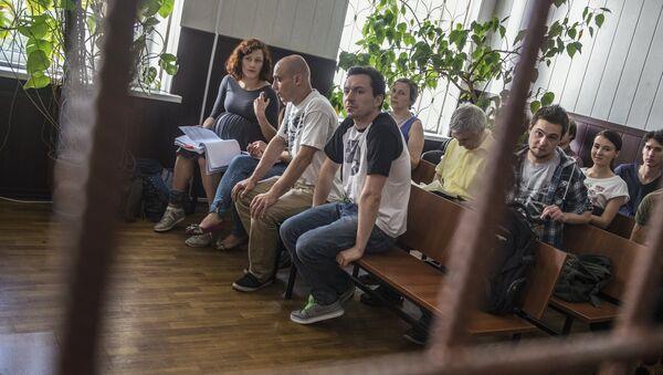 Парашютисты-бейсджамперы Анна Лепешкина, Евгения Короткова, Александр Погребов, Алексей Широкожухов