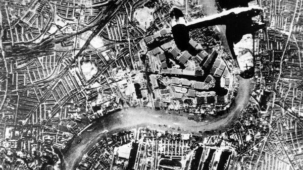 Бомбардировщик Хейнкель He-111 над Лондоном