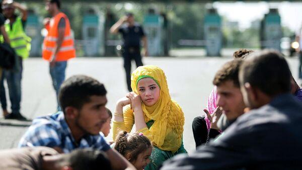 Мигранты на сербско-венгерской границе. Архивное фото
