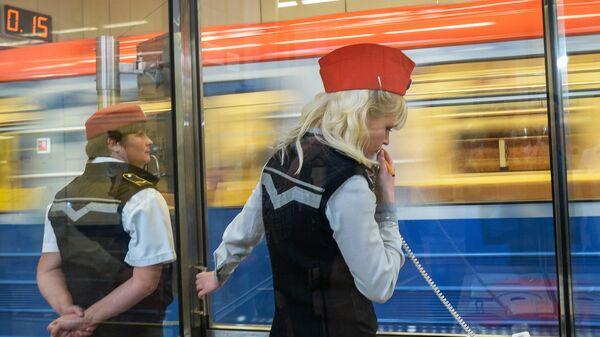 Диспетчеры на открывшейся станции московского метрополитена Котельники. Архивное фото