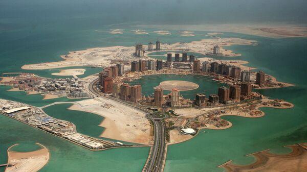 Вид с воздуха на искусственный остров жемчужина Катара в Дохе. Архивное фото