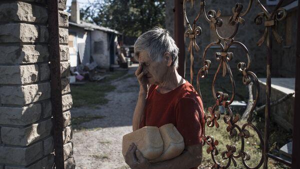 Жизнь в селе Веселом в Донецкой области, архивное фото