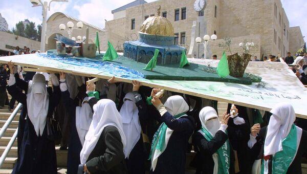 Модель Мечети аль-Акса, во время второй интифады