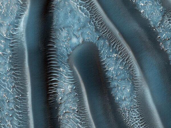 Песчаные дюны на поверхности Марса, снятые камерой HiRISE