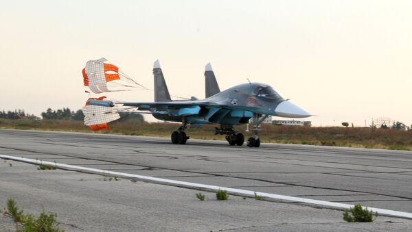 Российские самолеты СУ на аэродроме около Латакии. Архивное фото
