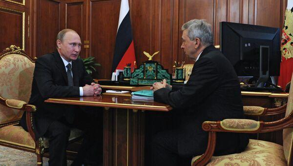 Рабочая встреча президента РФ В.Путина с президентом Российской академии медицинских наук И. Дедовым