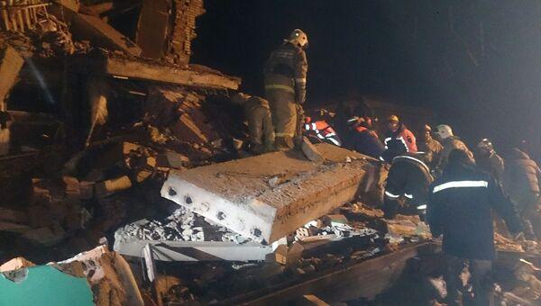На месте взрыва бытового газа в жилом доме в Хабаровском районе Хабаровского края