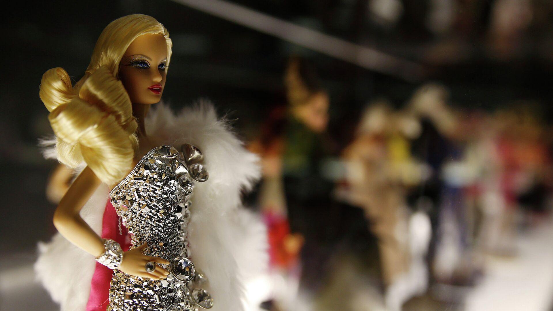 Кукла Барби на выставке, посвященной Барби в Музее культуры в Милане. Октябрь 2015 - РИА Новости, 1920, 15.02.2021