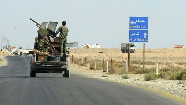 Бойцы движения Хезболлах на передовых позициях Сирийской Арабской Армии. Архивное фотору