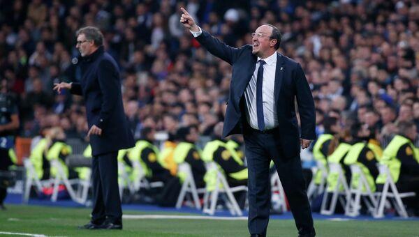 Главный тренер мадридского Реала Рафаэль Бенитес во время матча с ПСЖ в Лиге чемпионов, 3 ноября 2015
