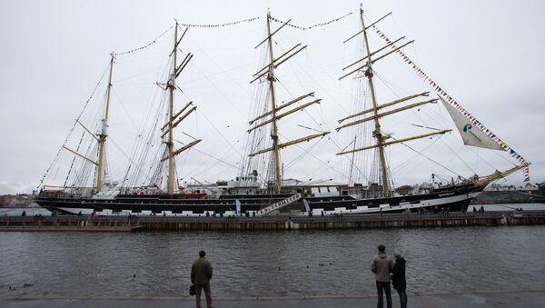 Учебно-парусное судно Крузенштерн. Архивное фото