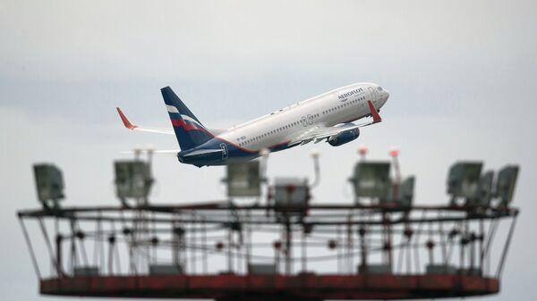 Самолет Boeing 777 авиакомпании Аэрофлот совершает взлет, архивное фото