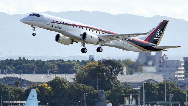 Японский самолет Mitsubishi Regional Jet