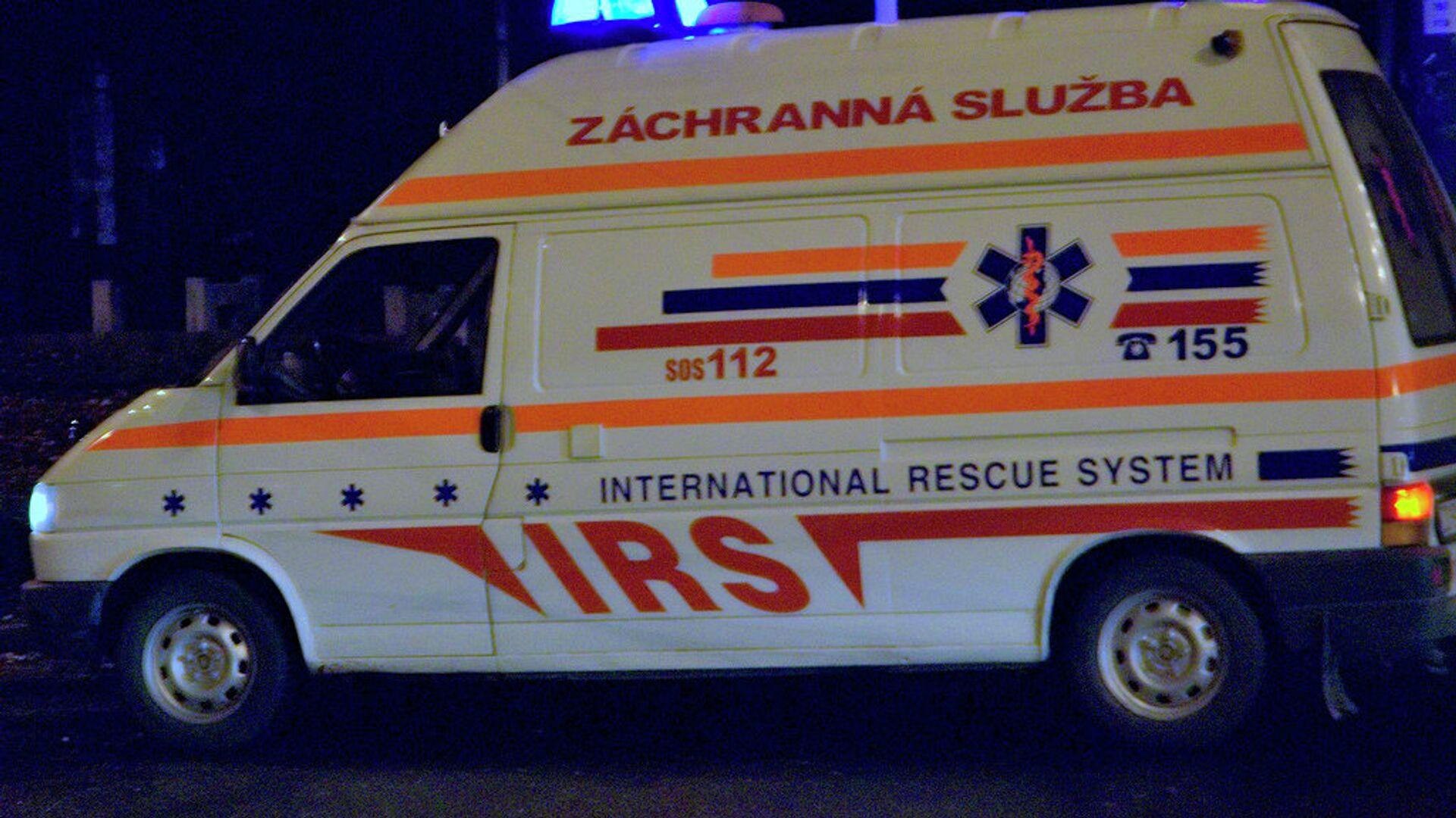 Карета скорой помощи в Словакии - РИА Новости, 1920, 10.05.2021