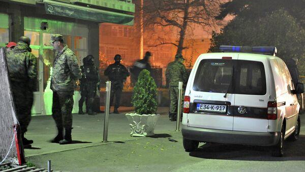 Полицейские на месте стрельбы в пригороде Сараево