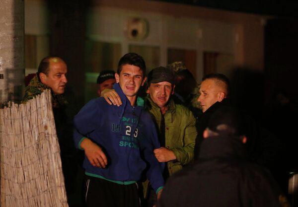 Родственники погибших во время стрельбы в Сараево