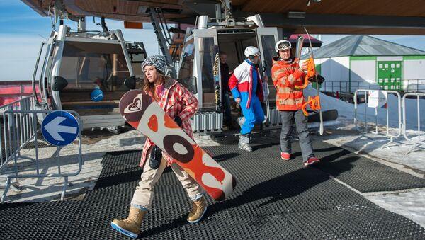 Посетители горнолыжного курорта Горки Город в Красной поляне. Архивное фото