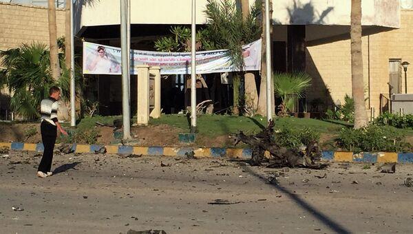 На месте взрывов в отеле Swiss Inn, Синайский полуостров, Египет